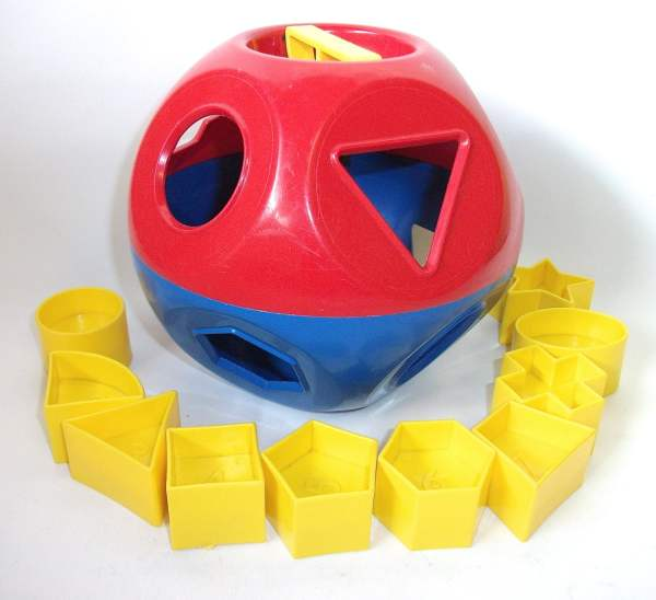 Vintage Tupperware Shape Sorter Ball Toy Puzzle Children