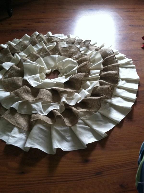 Ruffled Burlap Christmas Tree Skirt Sweetsoutherndivine