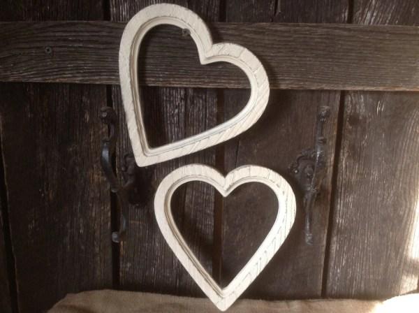 Frames Syroco Heart Shaped Wall Decor