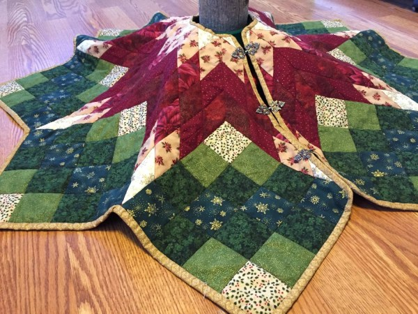 Quilted Tree Skirt Christmas Poinsettia