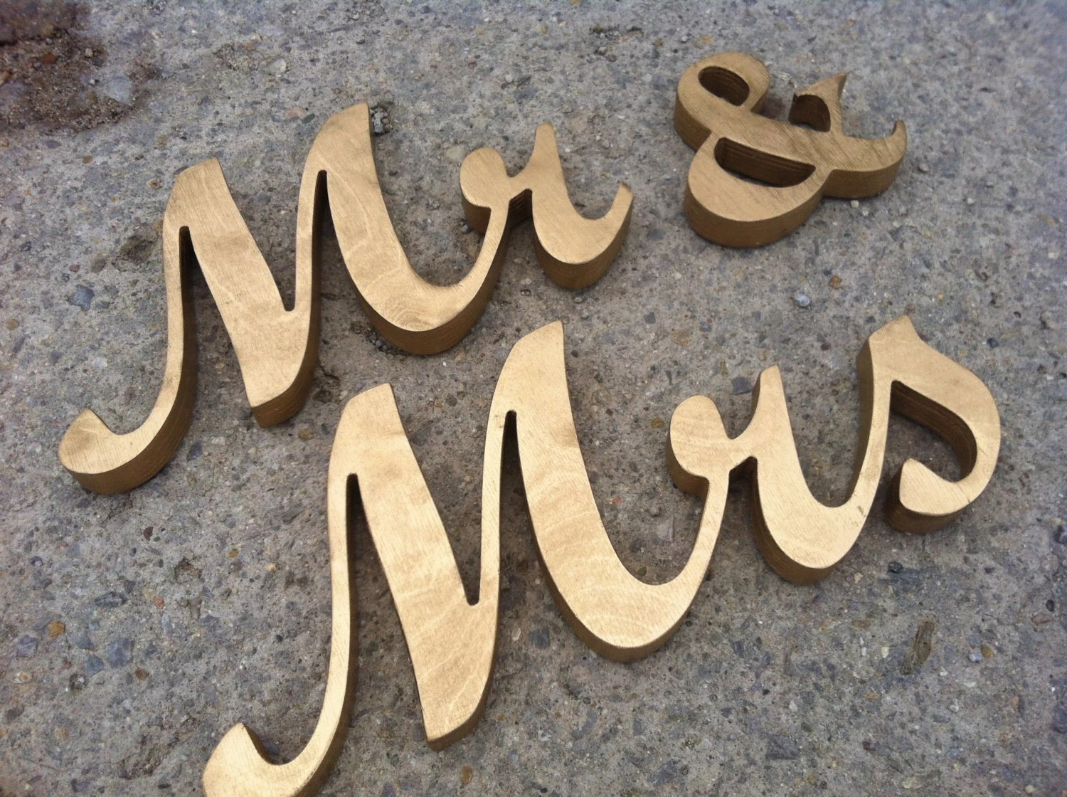 GOLD Mr. & Mrs. Letters Wedding Table Decoration