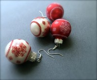 Glitter Christmas Ball Dangle Earrings. Red. White. by ...