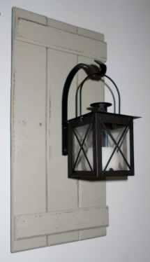 Lantern Wood Pallet Wall Hanging