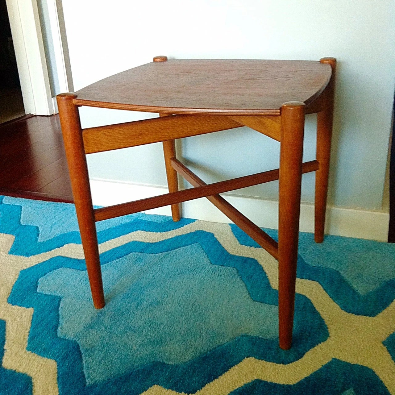 Beautiful vintage midcentury modern wood teak 2 piece Beautiful end tables