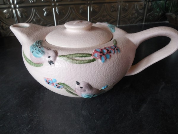 Gorgeous Hull Pottery Usa S17 '57 Serenade Teapot