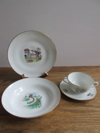 Vintage Richard Ginori Porcelain Children's Dinnerware Set