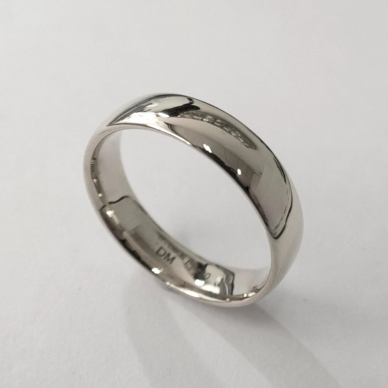 Comfort Fit Wedding Band Platinum Ring Unisex Ring