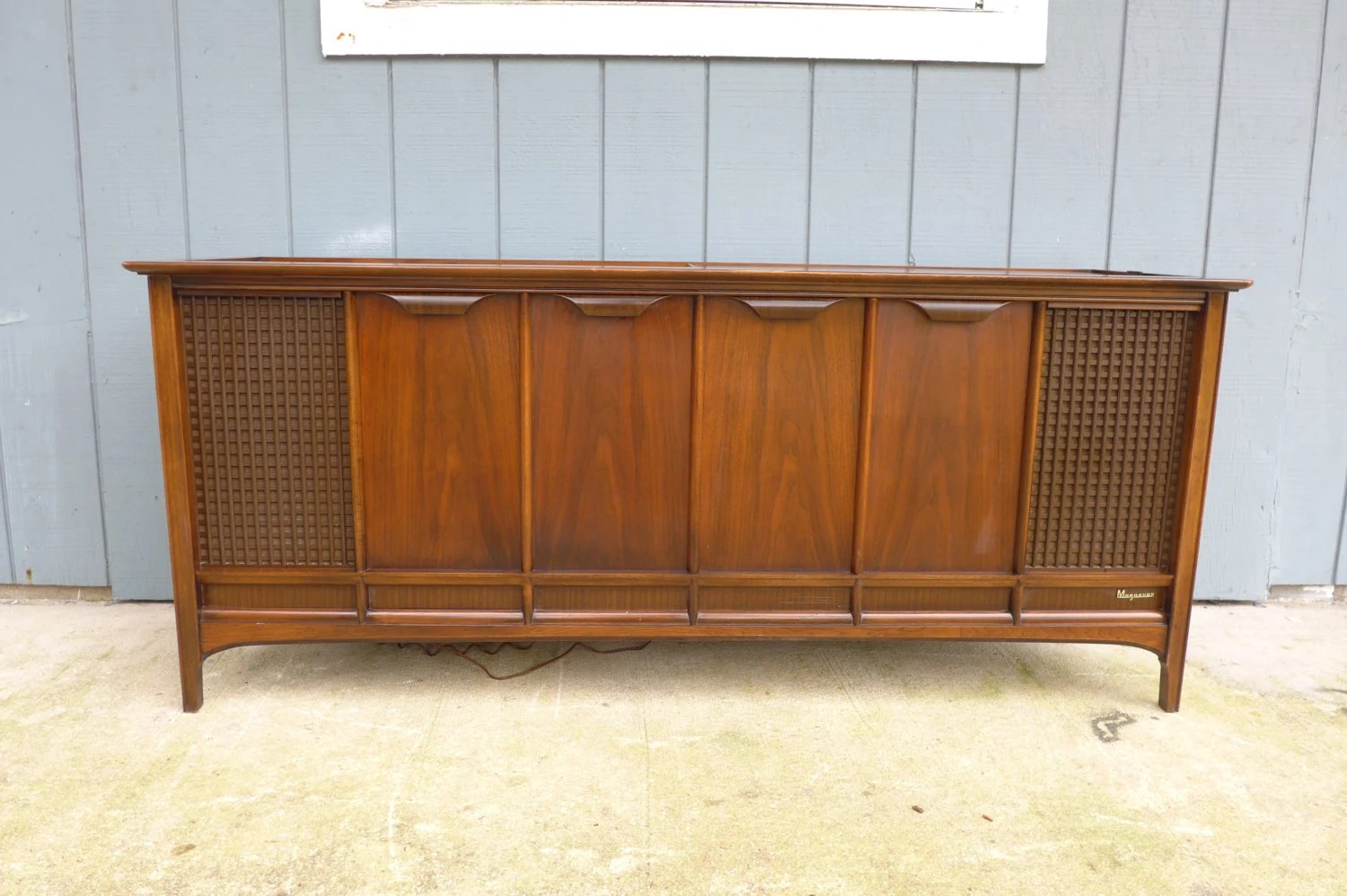 Reserved for Loulou: Magnavox Astro Sonic Console Stereo AM FM