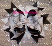 camo hair bow snow wedding