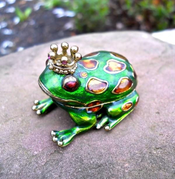 Monet Prince Charming Frog Trinket Pill Box Green Enamel