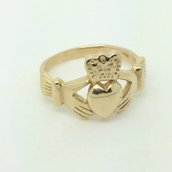 Large Men's Claddagh Ring In 14K Yellow Gold