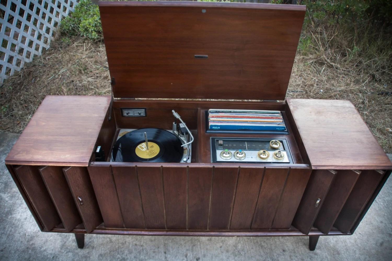 Mid Century Modern Stereo Console Credenza Danish 1967