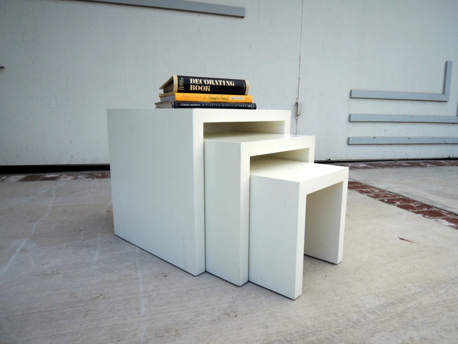 MODERN White Nesting Tables (Los Angeles) – Haute Juice. Full resolution‎  portraiture, nominally Width 1500 Height 1125 pixels, portraiture with #B0751B.