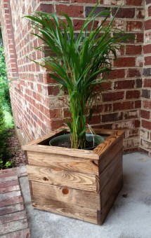 Reclaimed Pallet Wood Indoor Planter Box. Ajscreationsco