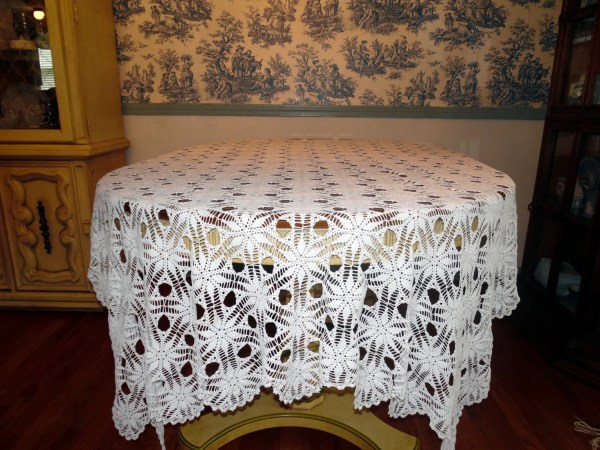 Vintage White Lace Wedding Tablecloth Overlay 66 X 78