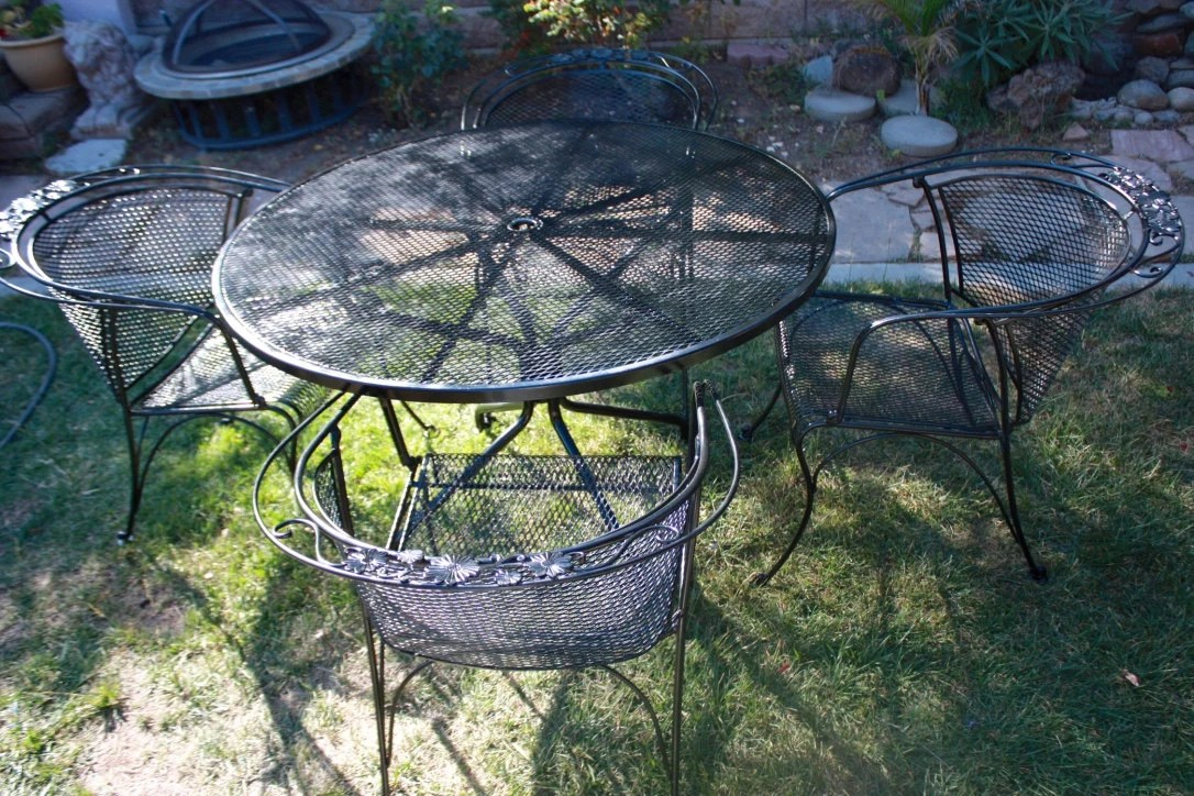antique wrought iron outdoor furniture png