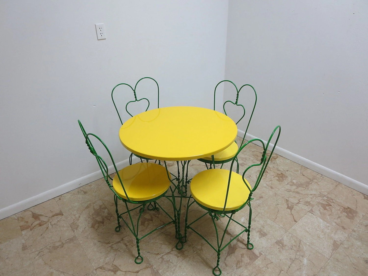 Ice Cream Table And Chairs Antique Ice Cream Parlor Saloon Bent Wire Bistro Table And