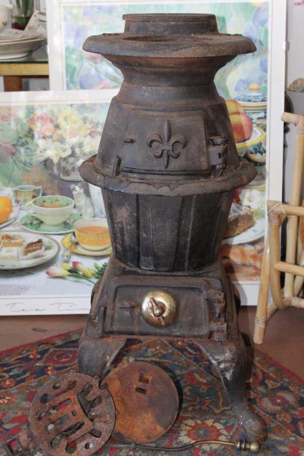 Antique .1910 King Stove & Range Cast Iron Pot Belly