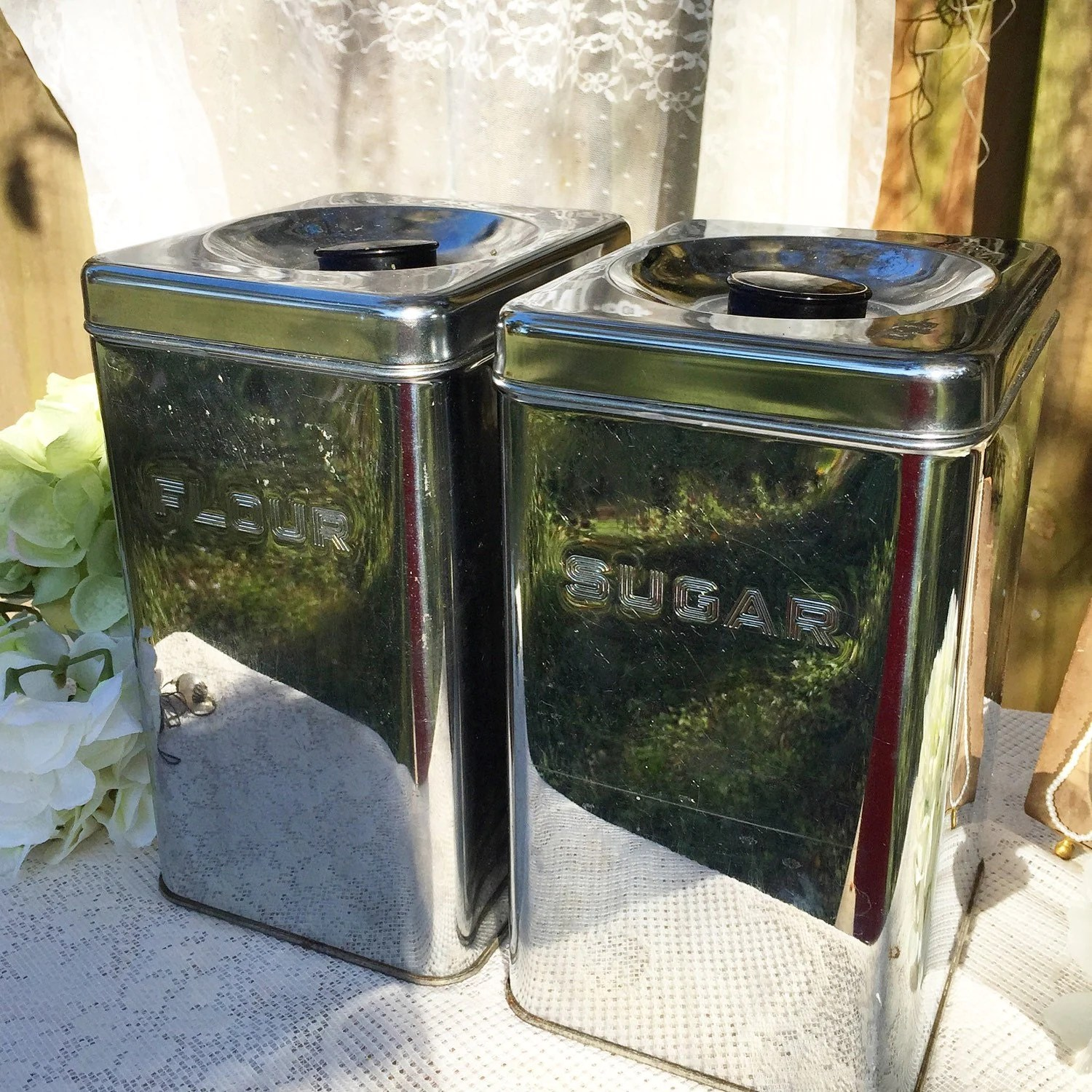 Mid century modern tin canister set silver kitchen tea for Kitchen set aluminium modern
