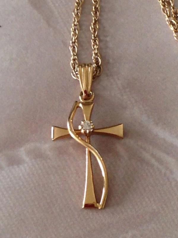 Vintage 14k Gf Yellow Gold Cz Cross Pendant Necklace