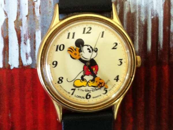 Mickey Mouse Watch Lorus Seiko V515-6000 A1 Pale