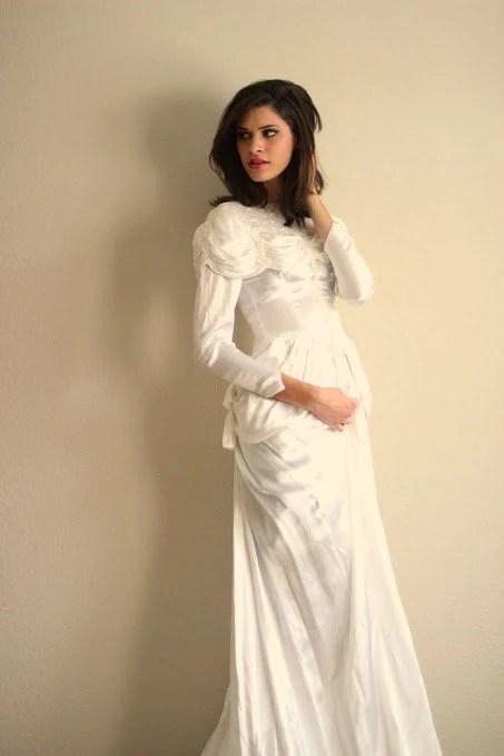 Vintage 40s Ivory Silk Satin Charmeuse by Moxie2RunwayVintage