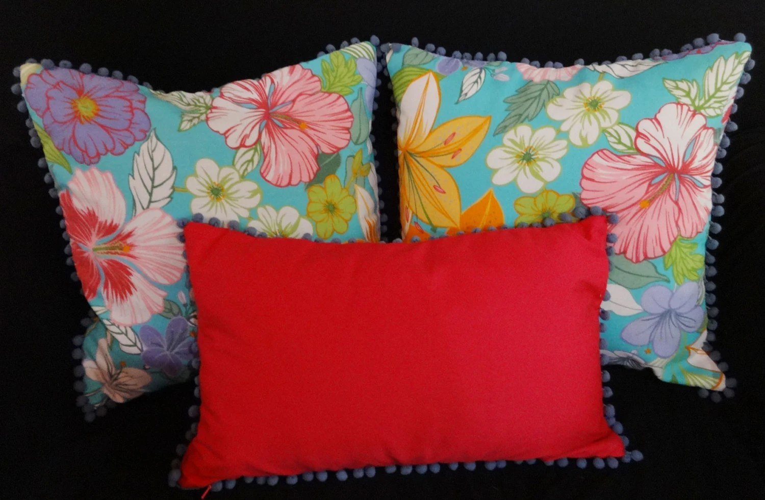 how to decorate oblong living room desighn hot pink pillow. pom border pillow cover. fun