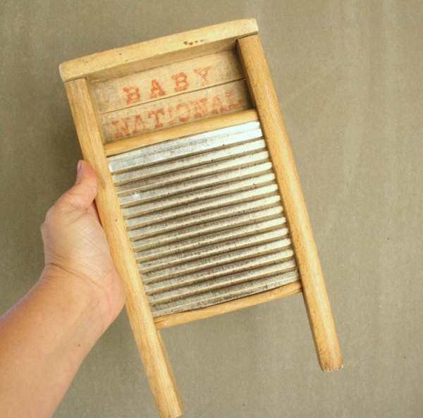 Antique Washboard Baby National . 810