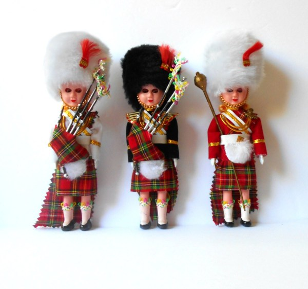 Three Scottish Dolls Laddie And Lassies With Pipes Bagpipes