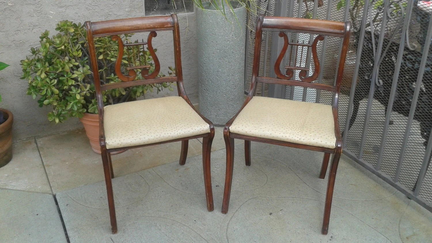 duncan phyfe chairs minton spidell lyre back dining set of 2