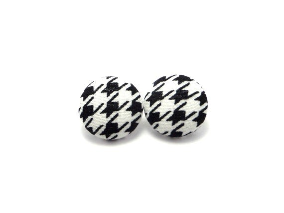 Black houndstooth fabric covered button earrings, houndstooth earrings, houndstooth fabric button earrings, black button earrings