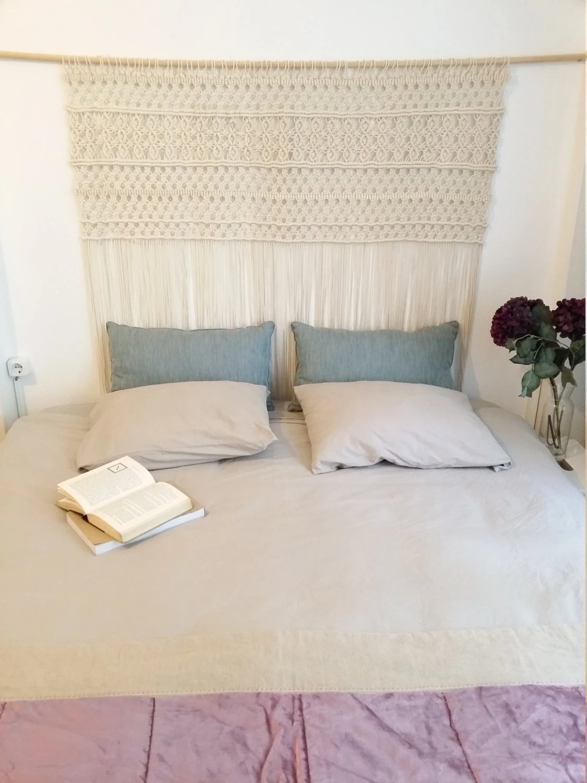 Suspension en macram grande tte de lit en macram