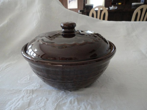 Brown Covered Stoneware Casserole Dish Bean Pot Mar Crest