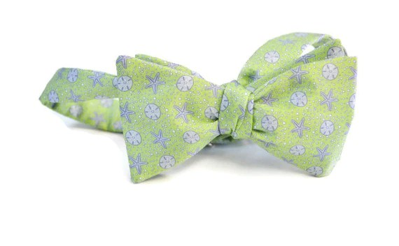 Sand Dollar and Starfish Men39s Bow Tie on a Silk Blend