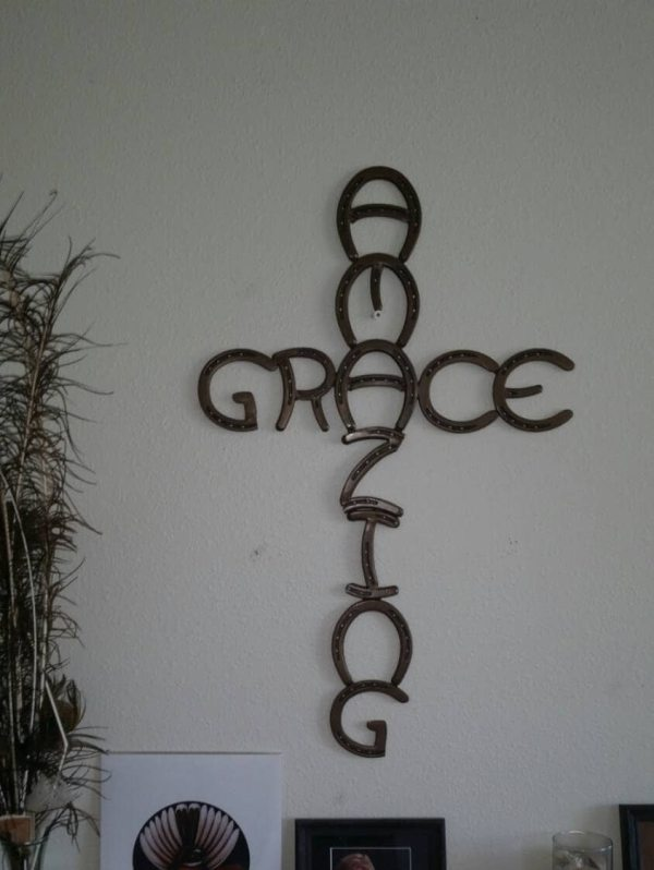 Horseshoe Cross Amazing Grace