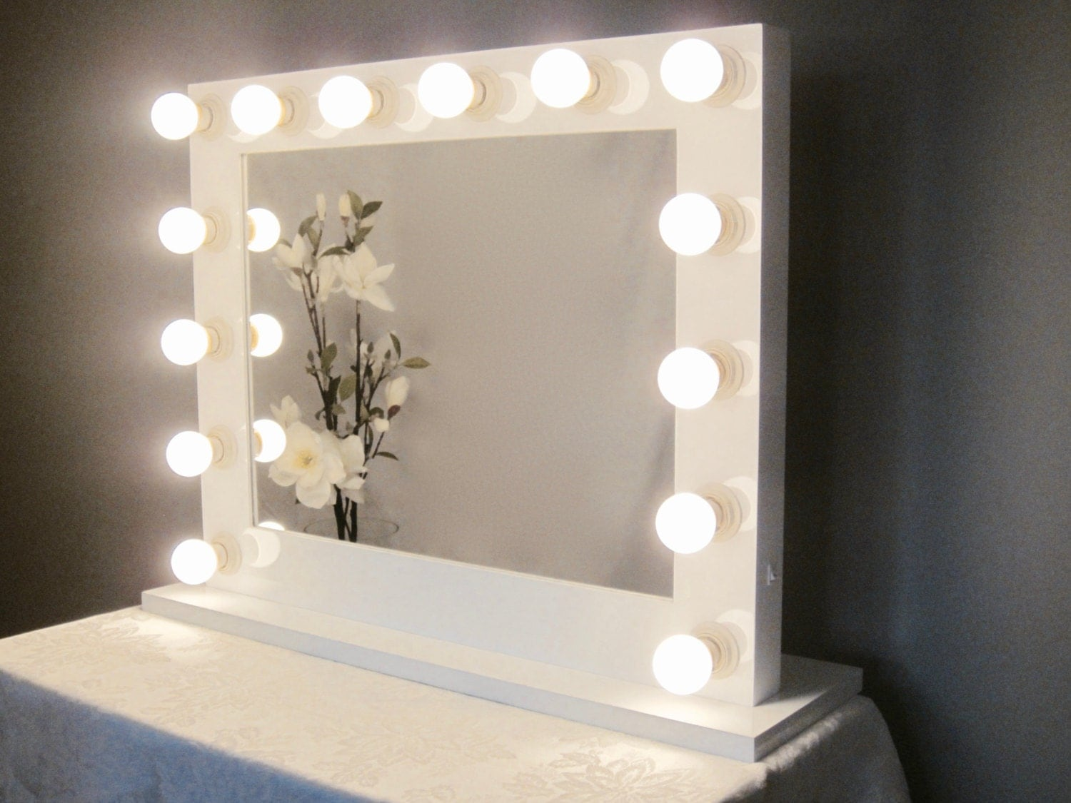 Grand Hollywood Lighted Vanity Mirror w LED Bulbs by