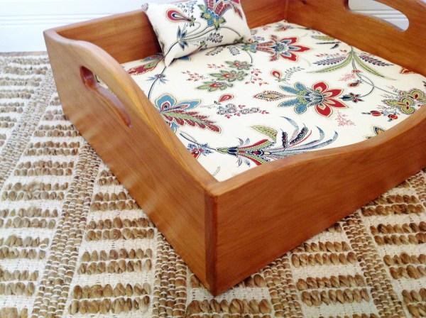 Cedar Wood Cat Dog Bed With Cushion