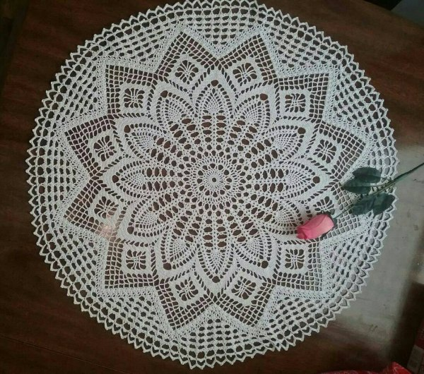 Pineapple Tablecloth 26 White