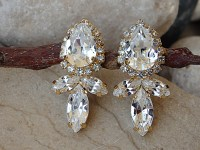 Bridal earrings for wedding day. Wedding jewelry for bride.