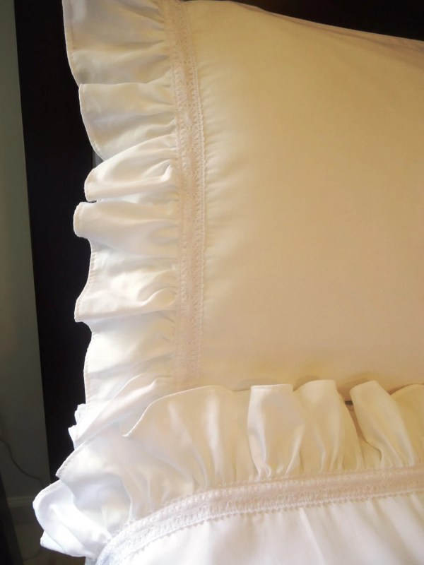 White Lace Queen Sheet Set