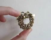 Holly Wreath clips, vinta...