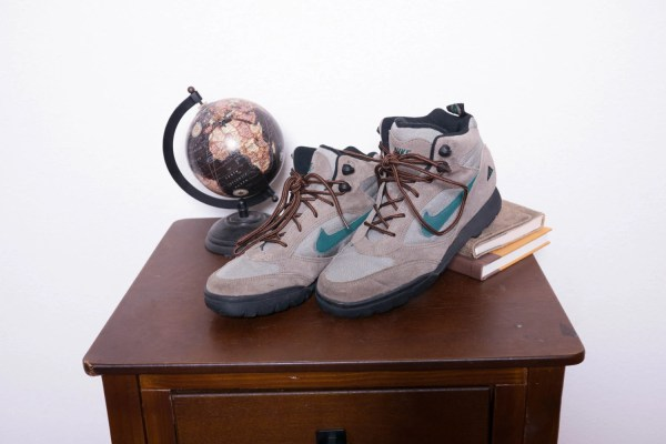 90s Vintage Nike Hiking Boots Womens 8.5 Mens 7.5