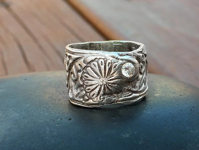 Wide Band Ring - Silver R...