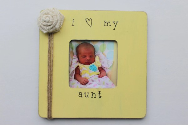Aunt Frame Yellow Favorite