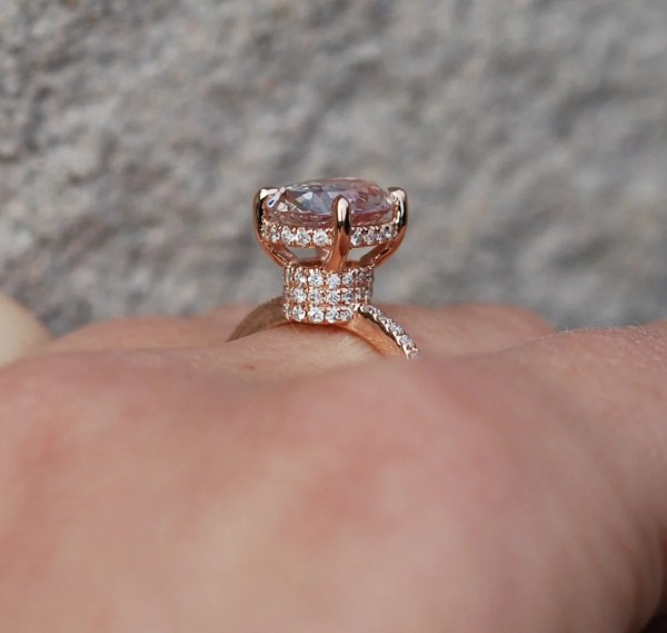 Unique Engagement ring diamond ring 2.72ct Peach oval