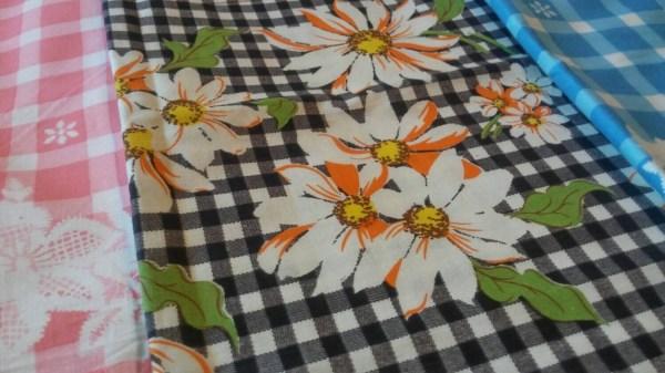 Vintage 3 Piece Set Of Gingham Floral Border Print