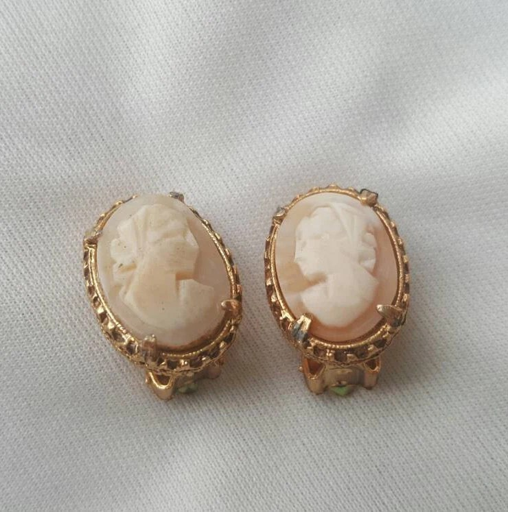 Antique 1950's Cameo Clip On Earrings by SmokeSpiritThrift
