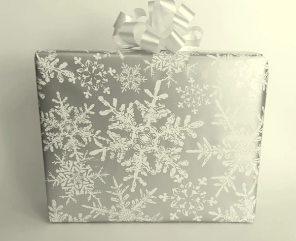 White and Silver Wrapping Papers