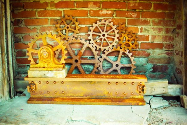 Large Rusty Iron Faux Metal Gears Wall Decor Set Steampunk