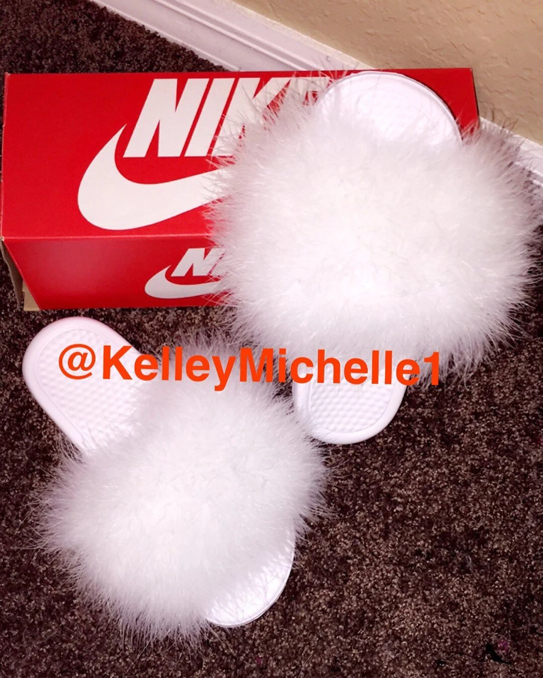 White on white women furry nike slides size 10